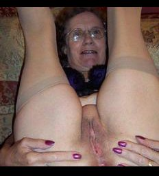 Mature homemade porno granny with butt plug