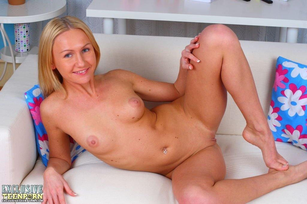 mature blonde wife cuckold