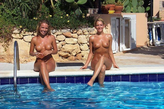 topless-wives-by-the-pool-nude-model-sweet-boom