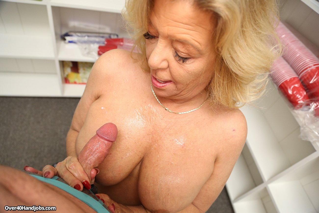 hot short big tits blonde fucks