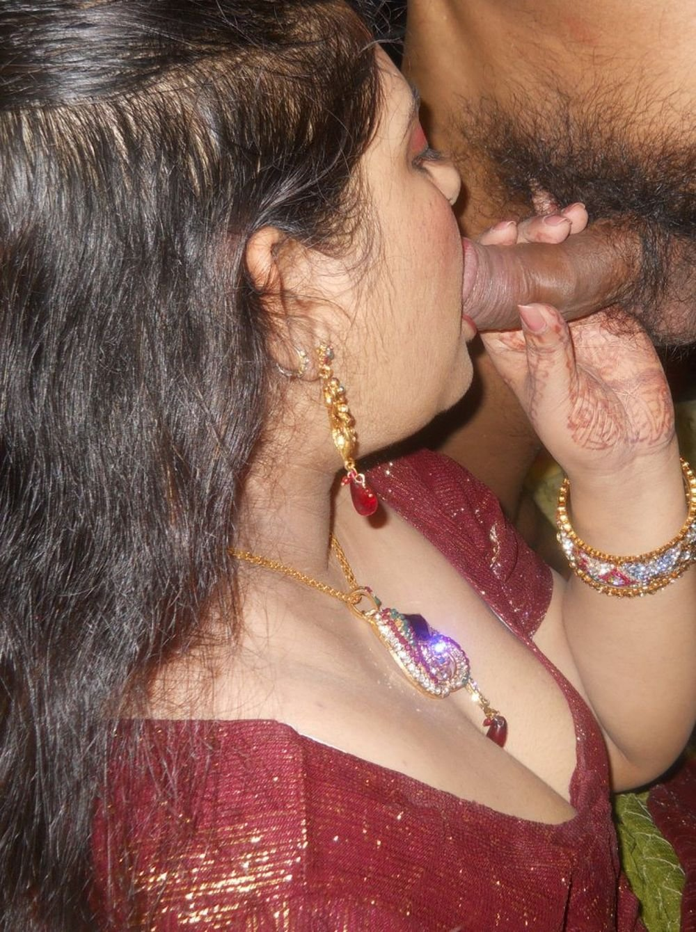 Indian Teen Slut Gives Amature Blowjob