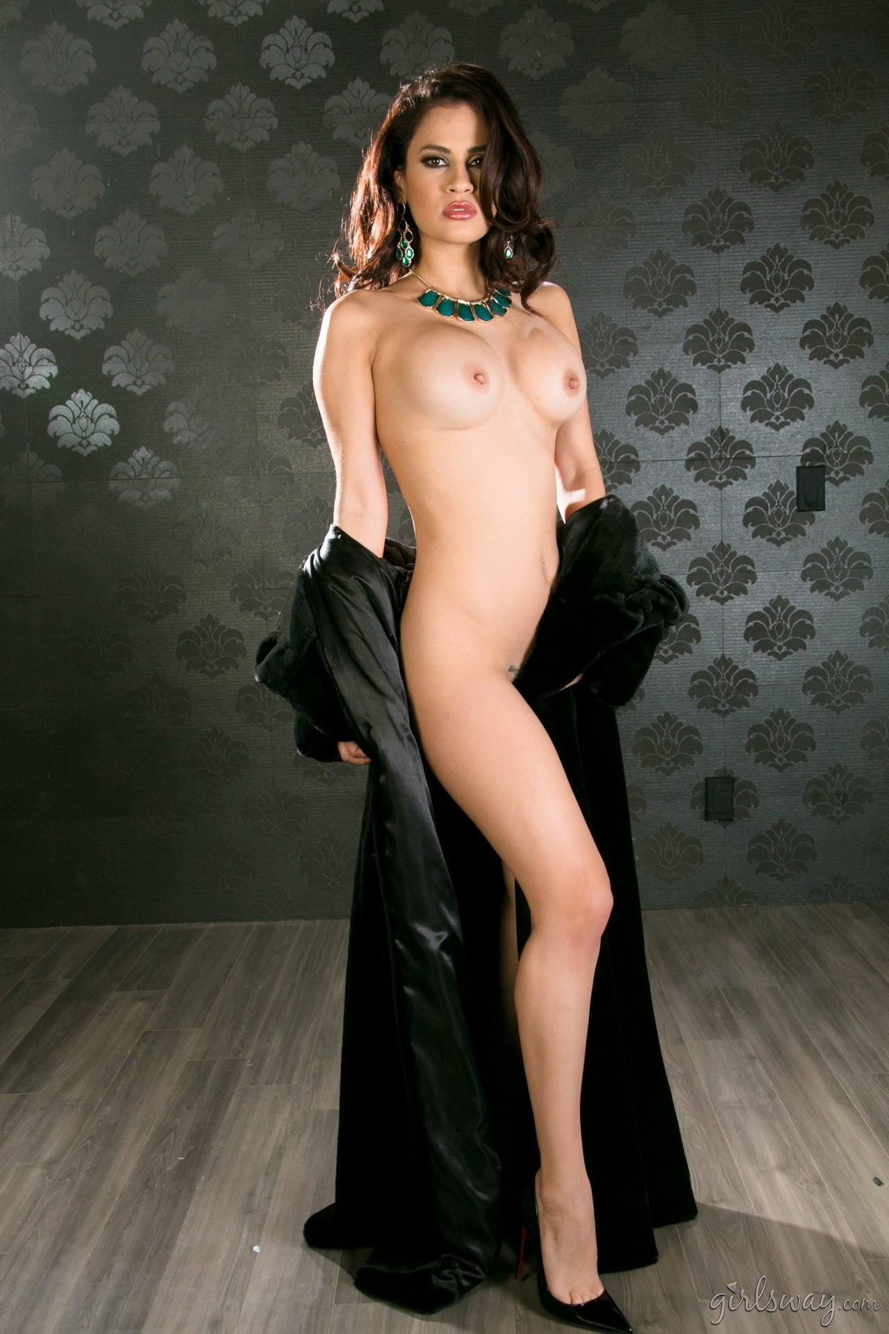 femdom slave girl there
