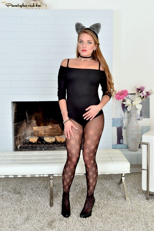 Sheer pantyhose milf #1