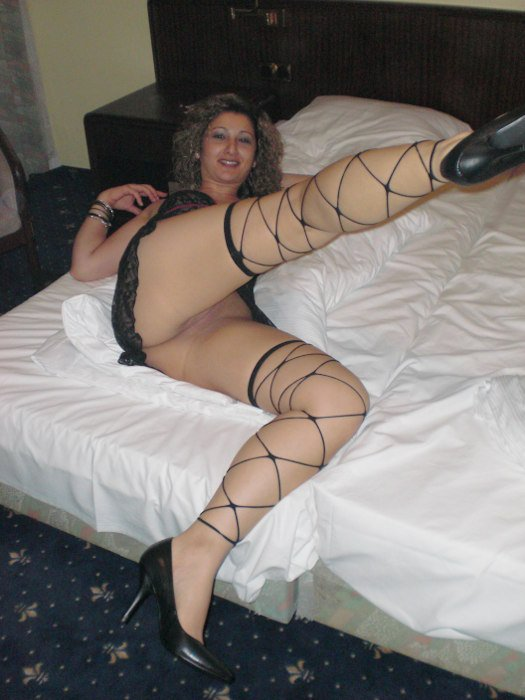 Mom is drunk and horny Voyeur sur cam