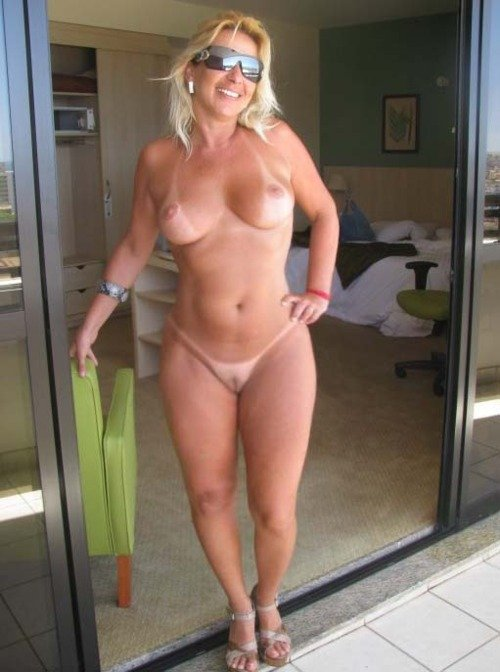 nude blonde hairy
