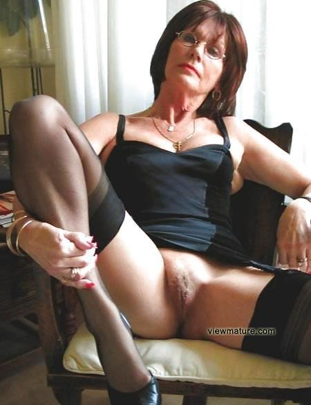 Mature wife on sybian #6