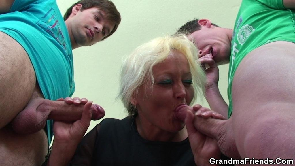 Amateur gay glamour kitchen mms video
