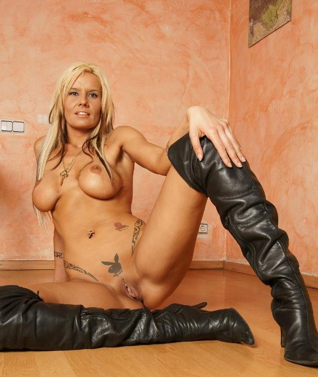 dominatrix toys mature black boobs pics