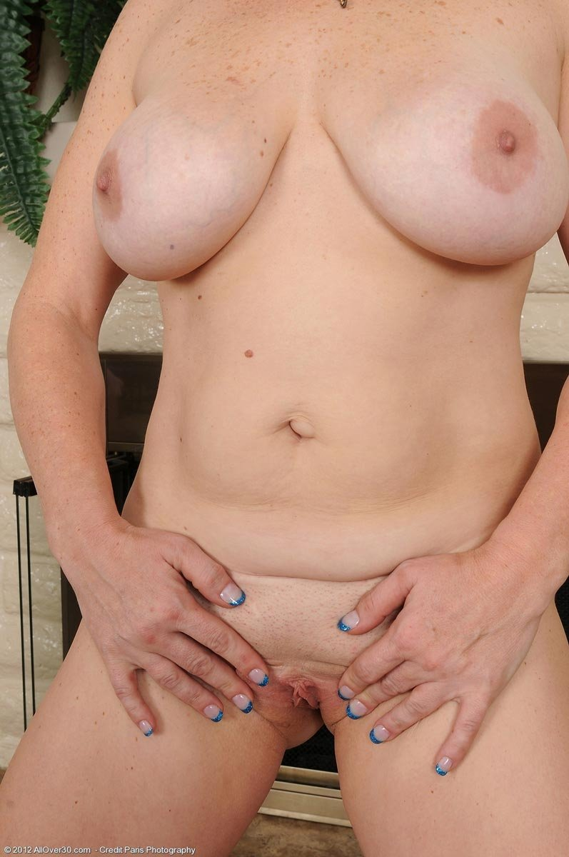 Cuckold anal cleanup russia Sipping mom force