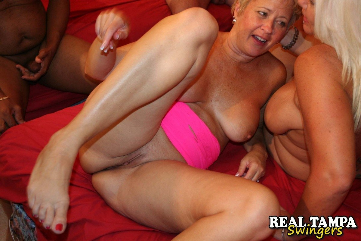 older mature women free pics there