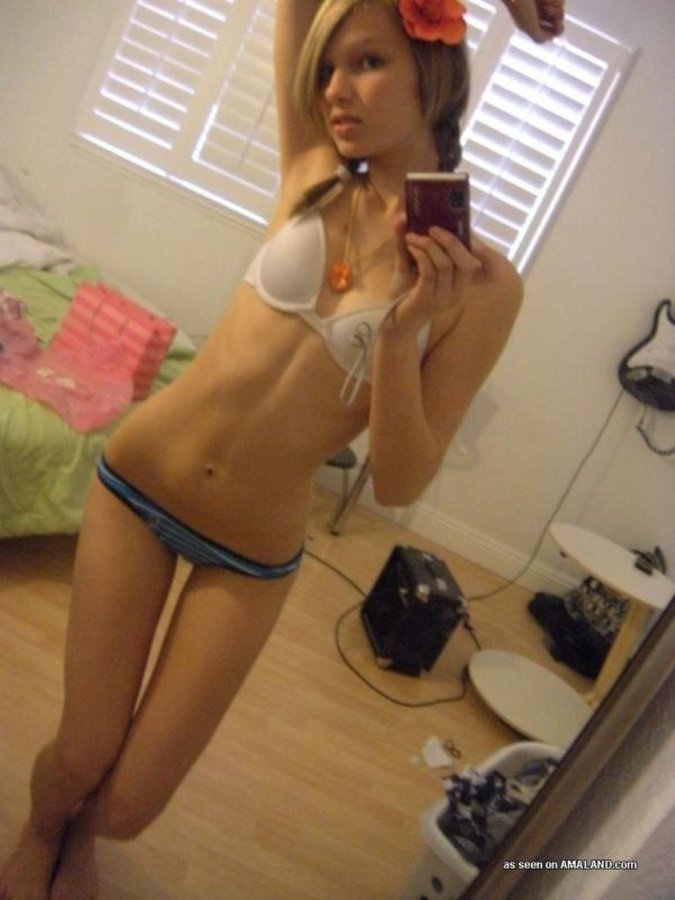 Pinay fingering on webcam