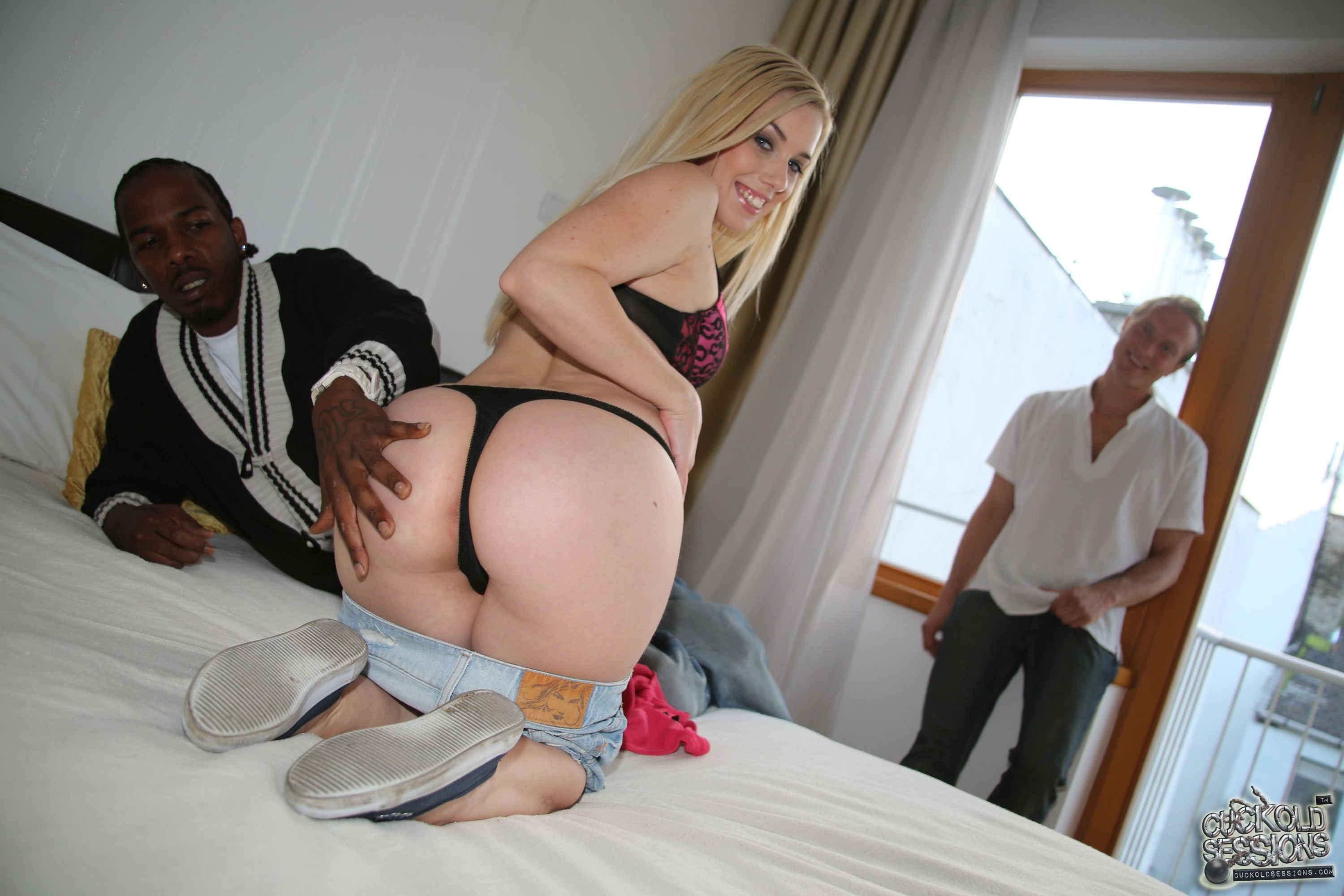 swinger wife sex party