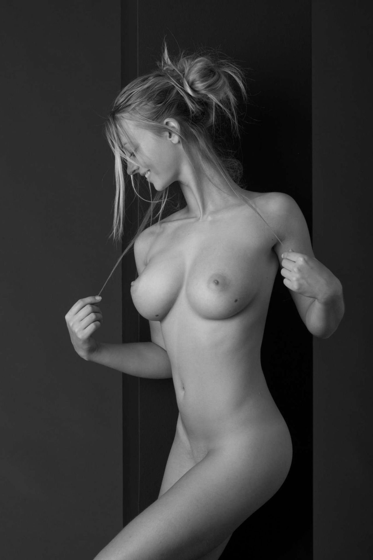 Hot erotic nude babes #1