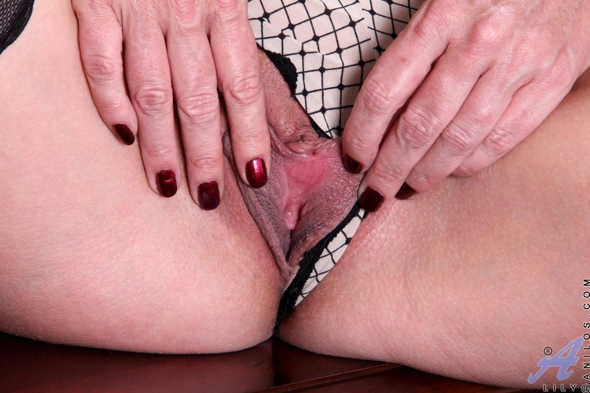 Wife fucked by men super skinny granny