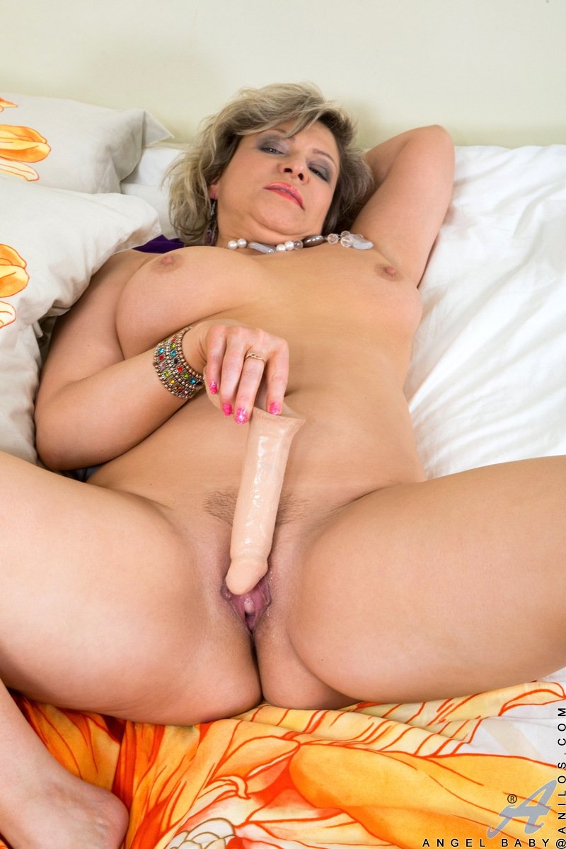 foot fetish mature lesbian there