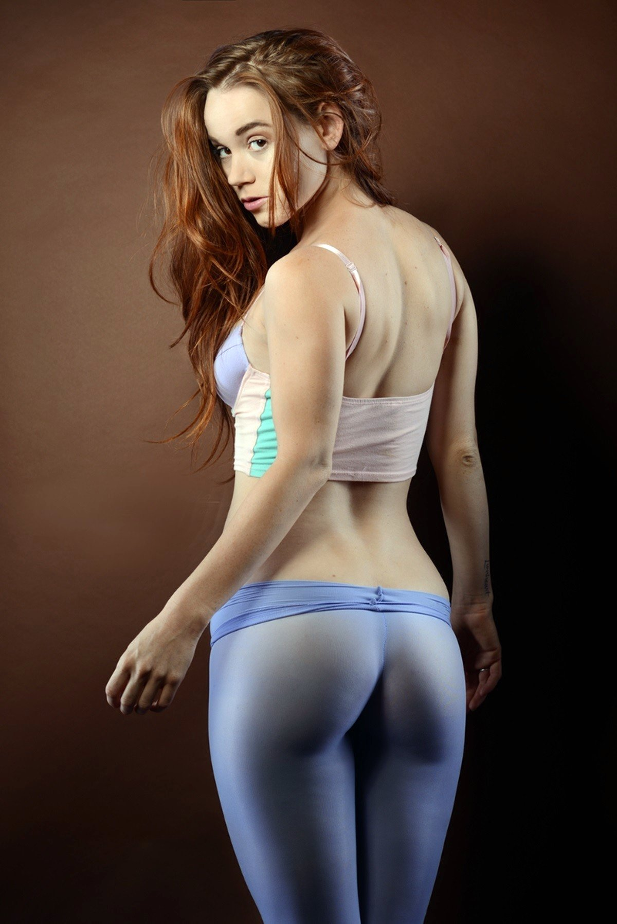 girls-in-yoga-pants-and-naked
