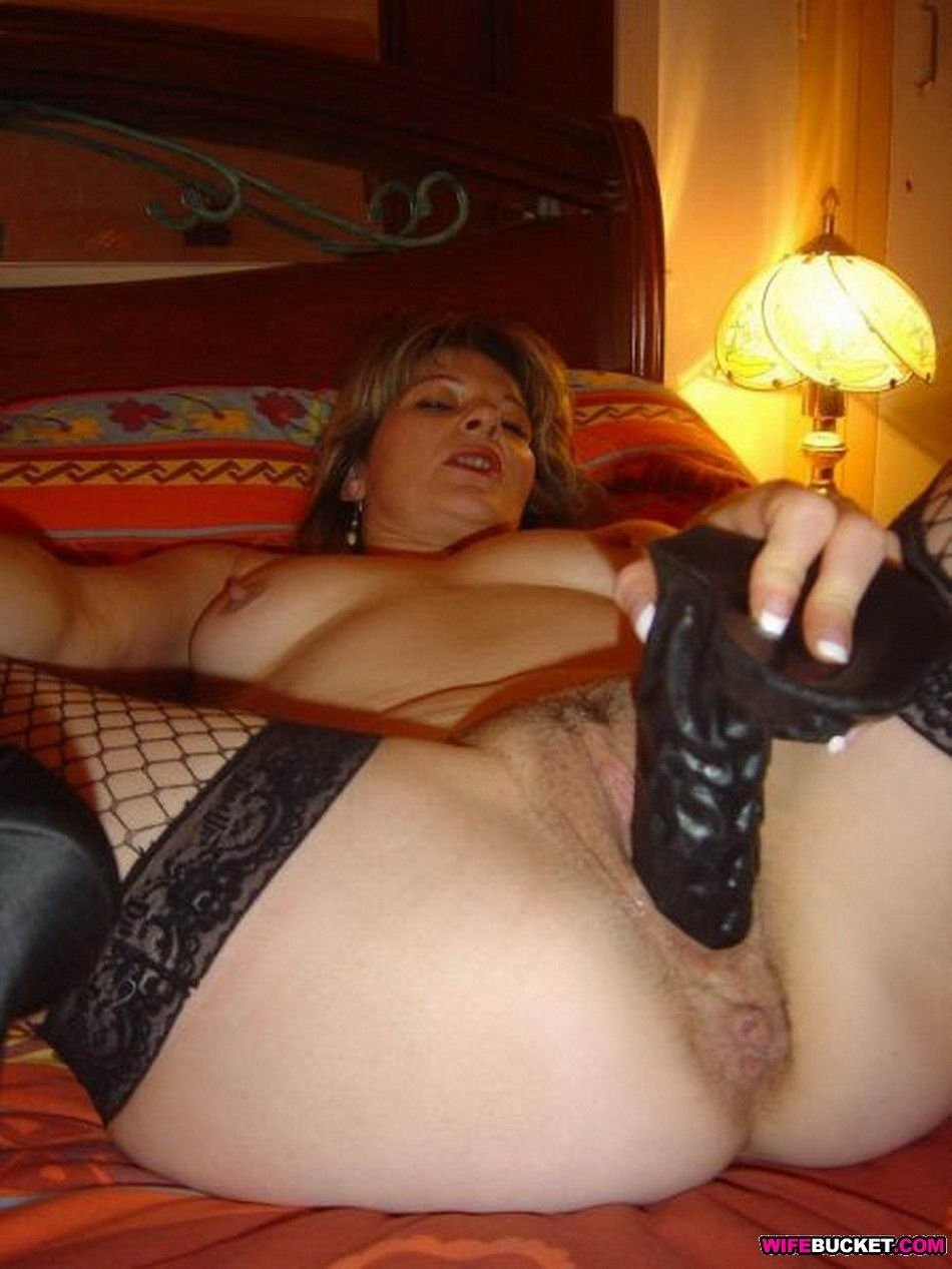 cuckold wife sucks bbc