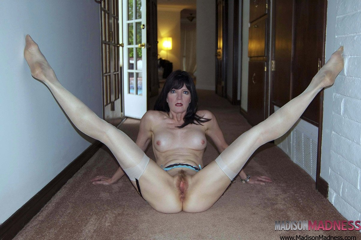 uniform bondage mature hairy pantyhose pics