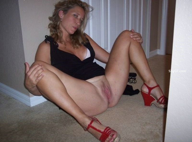 hotwife at swingers club