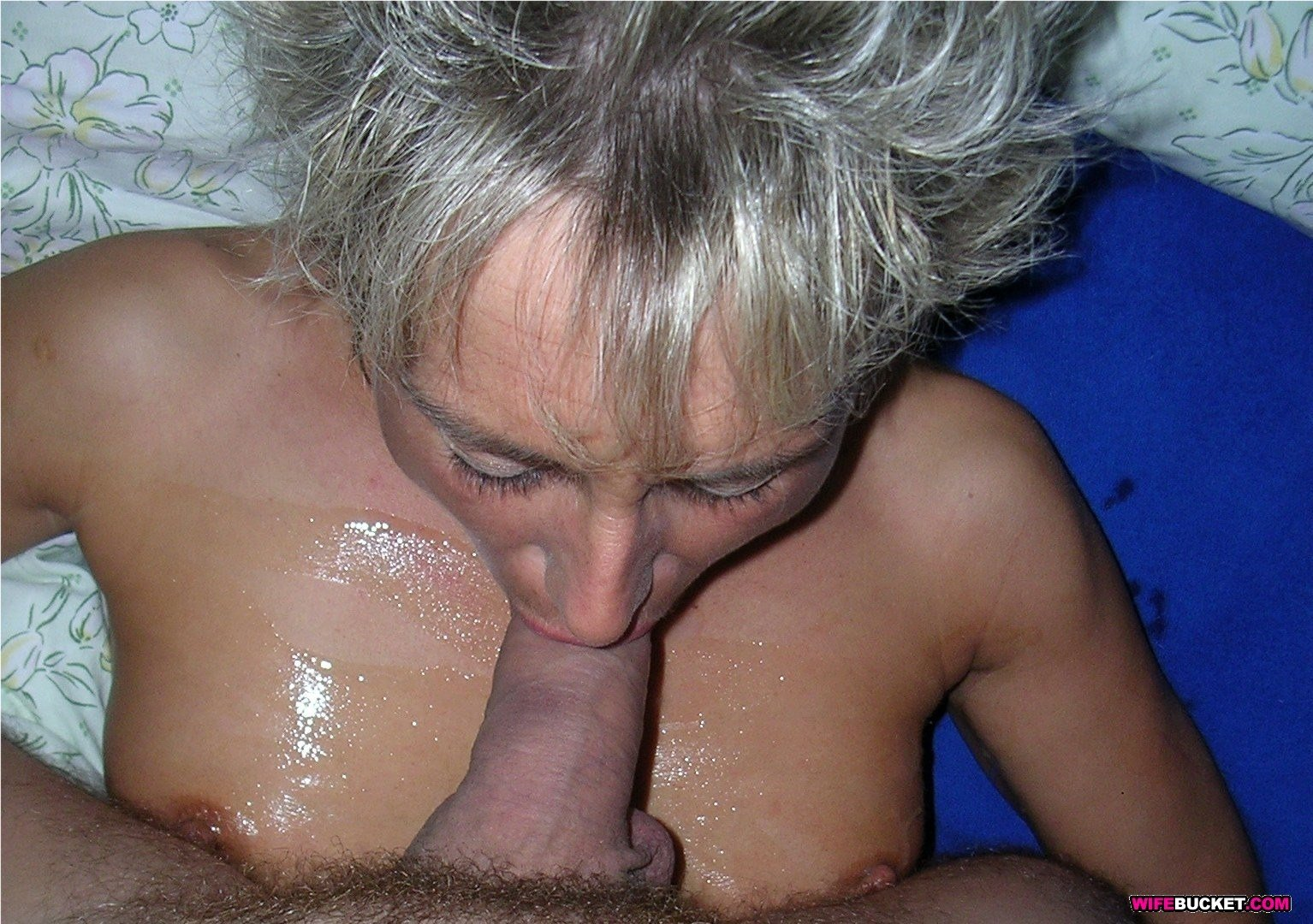 very old granny threesome