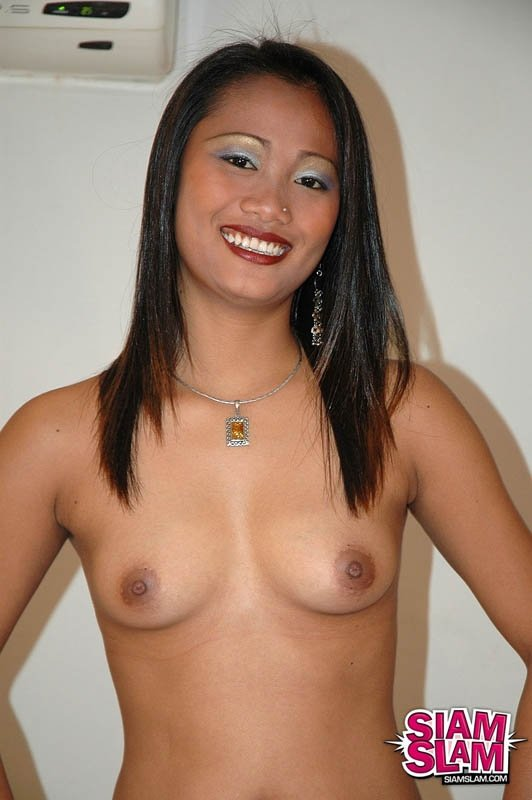 Aunty seduce young boy servant alone home