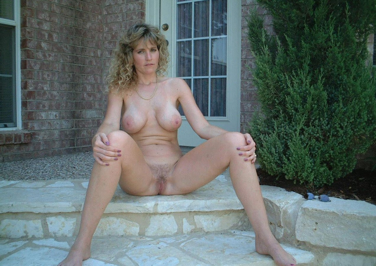 mature milf cougar pics there