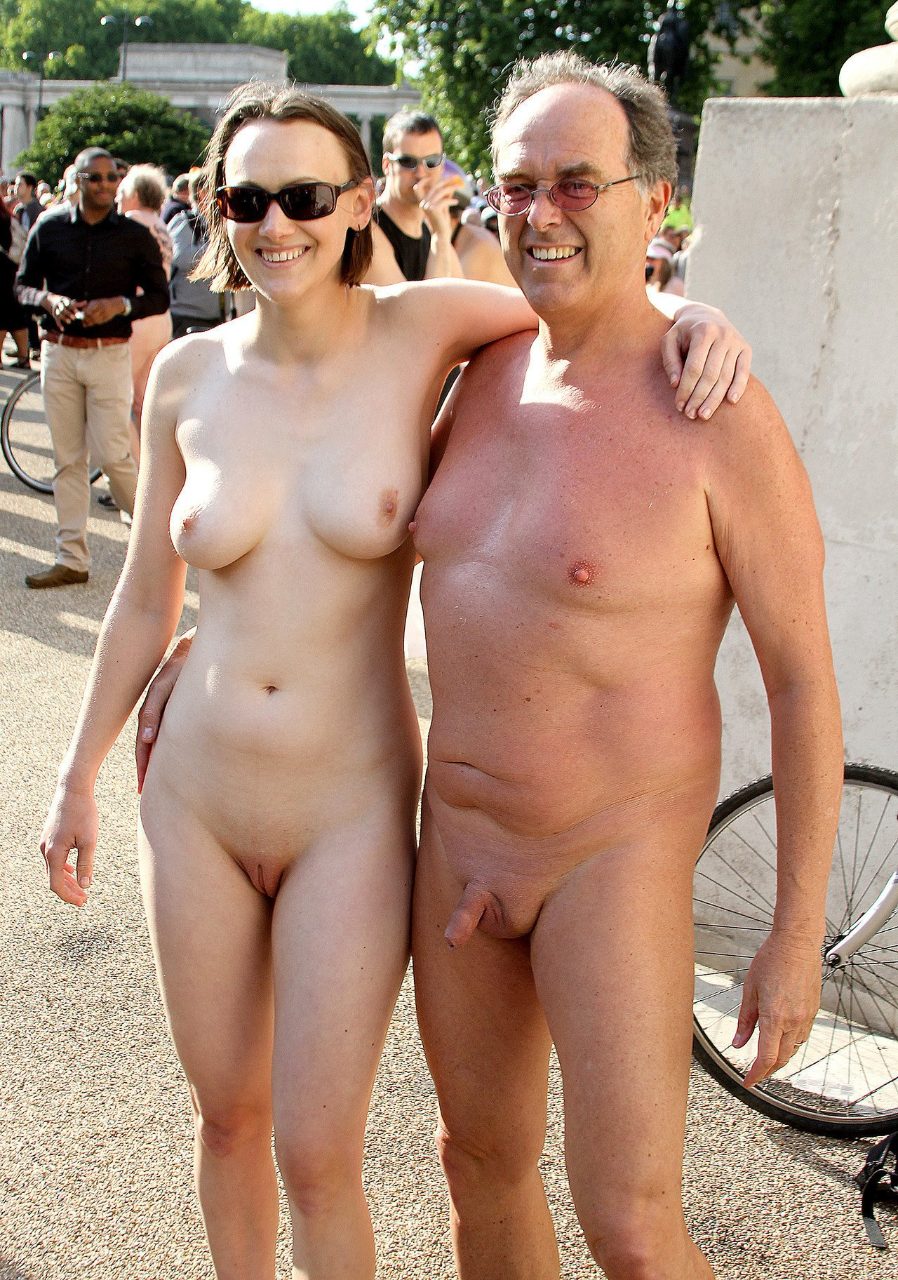 nudist-wife-public