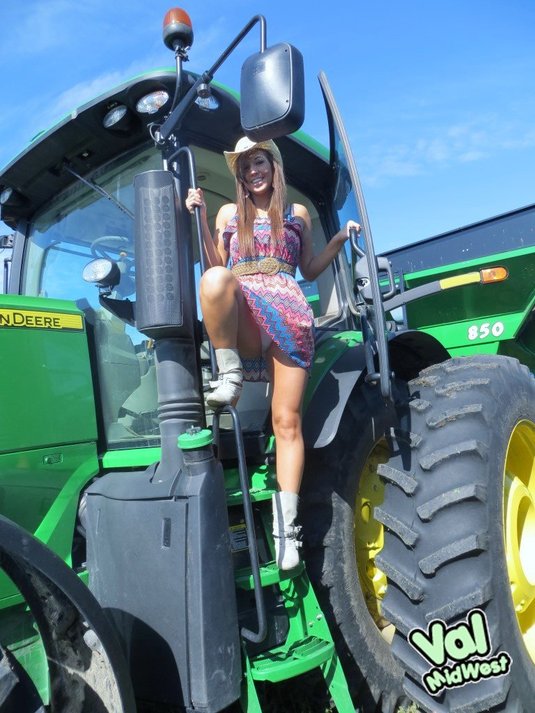 Hot hot girls with tractors — 14