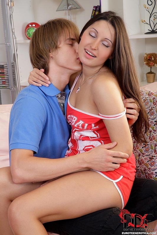 horny brunette housewife