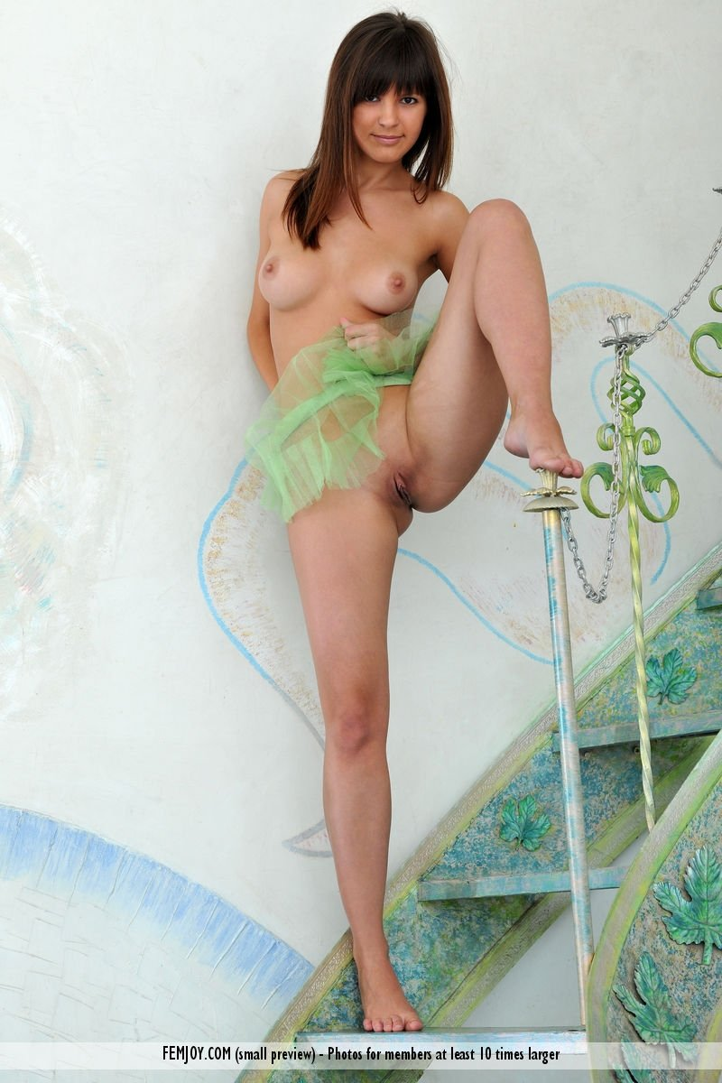 Bikini wives reviews babe is caught camming by her voyeur neighbor 27