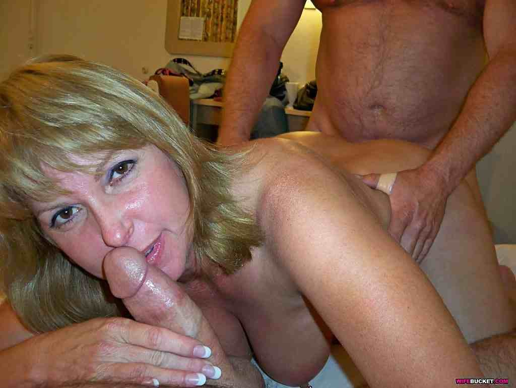 Amateur wife takes black cock