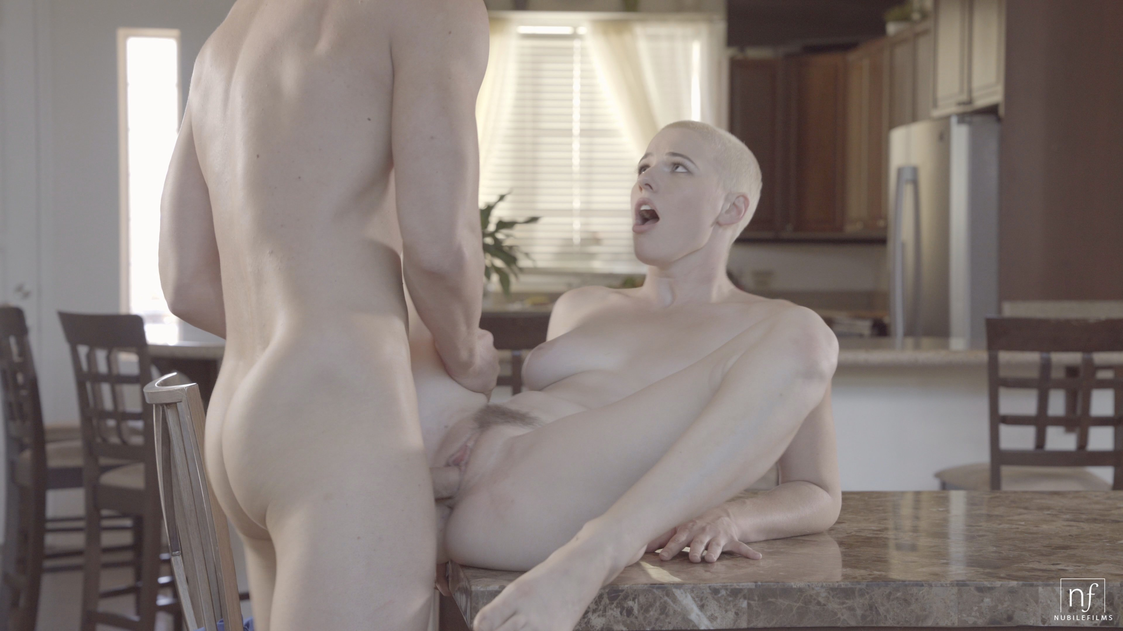 Big ass mom cleaning home naked