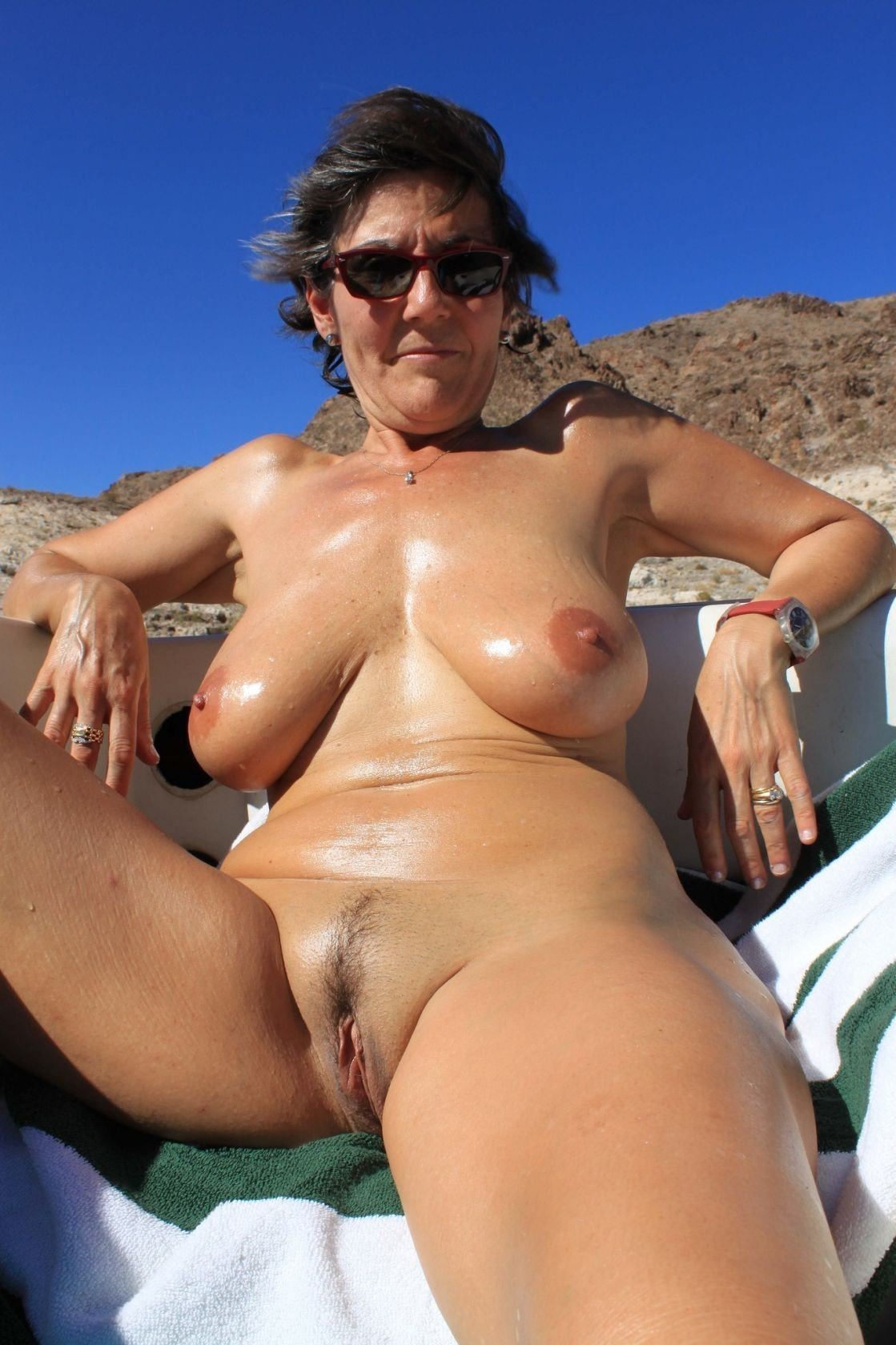 Hot Nude Mature Females