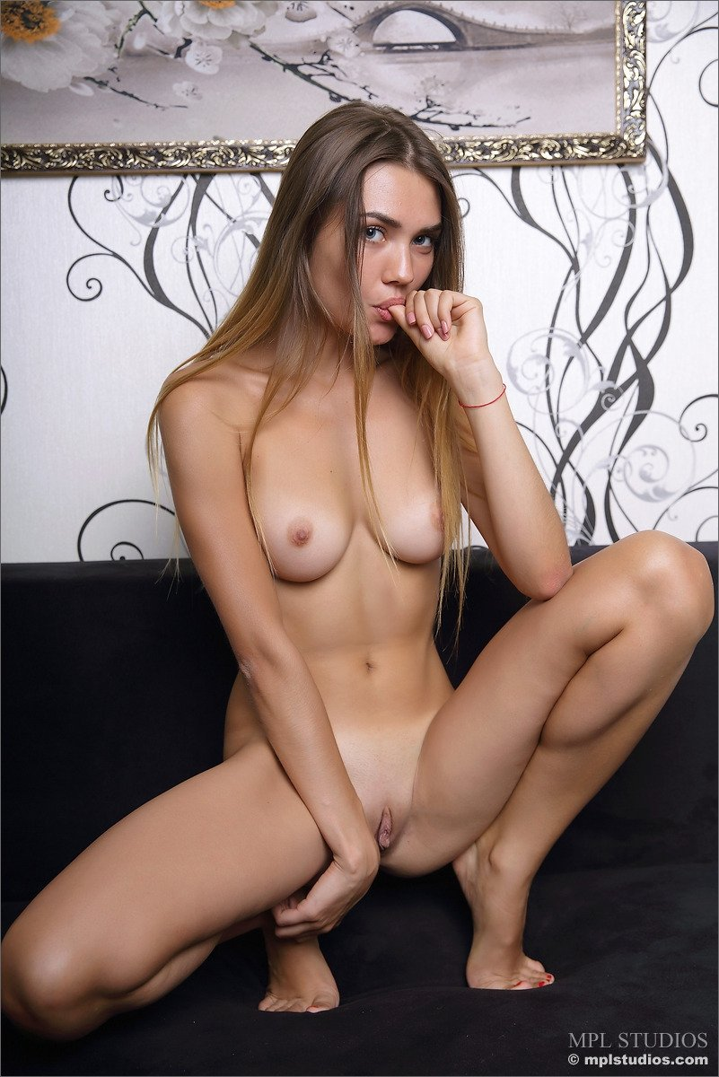 Pics of families nude at home