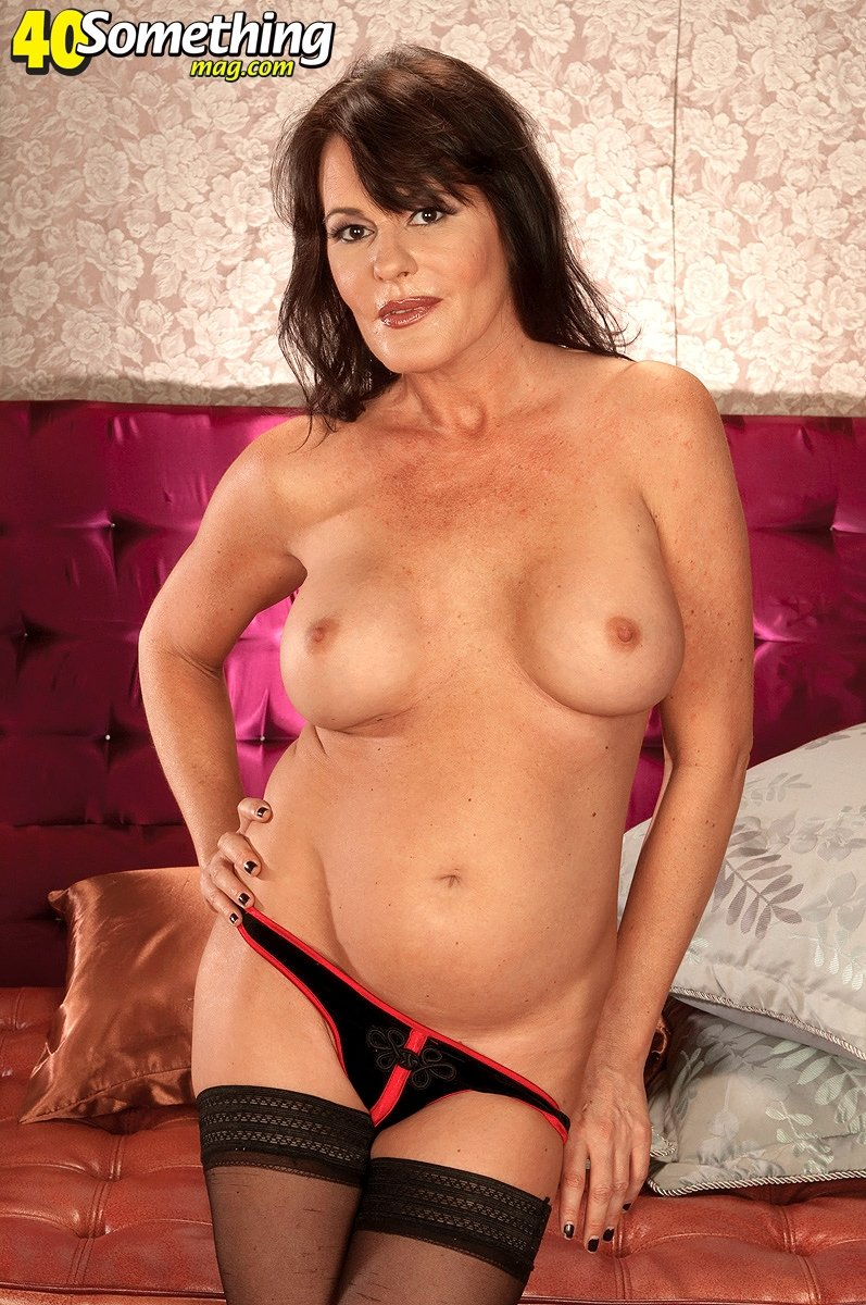 Webcam middle aged hot woman masturbate for my dick