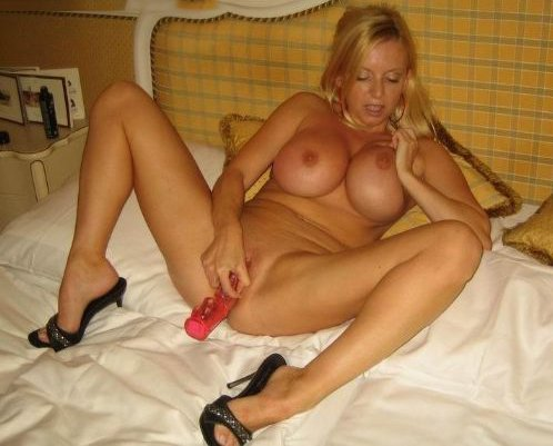 Naked mature women images #8