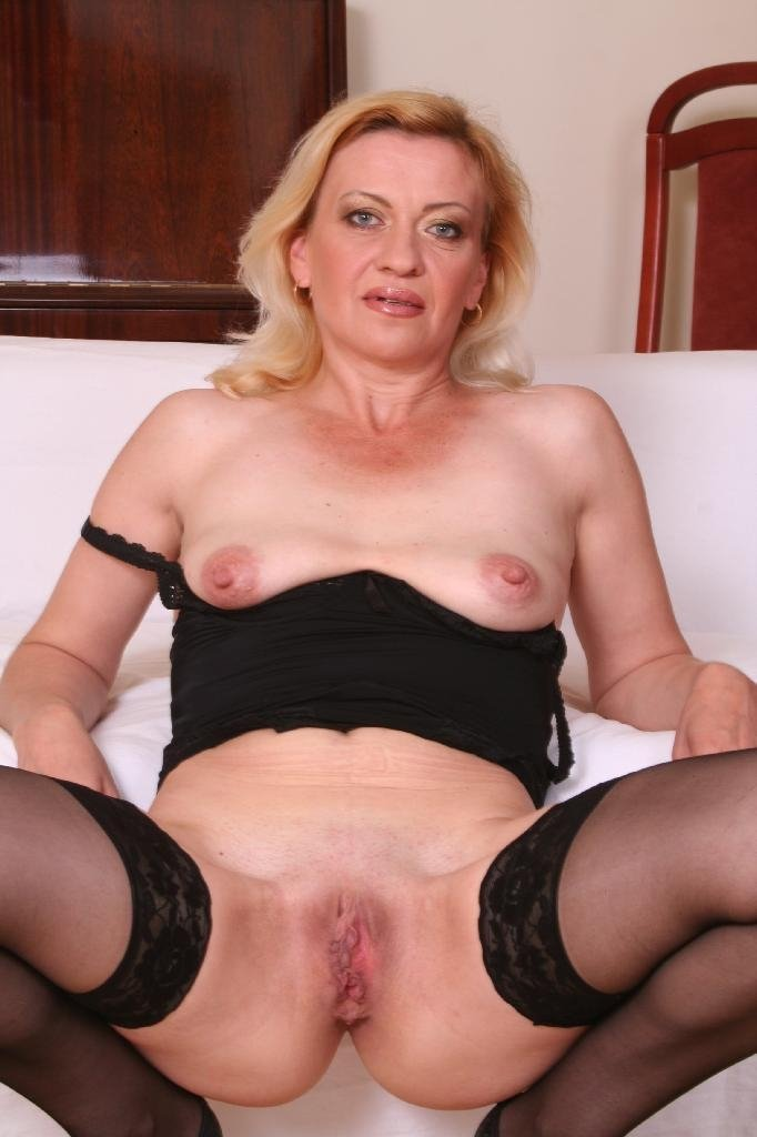 Wife exhib dildo