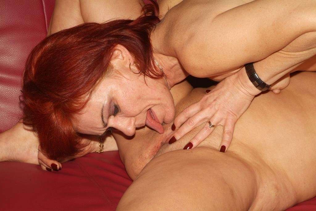 mature mom tries anal