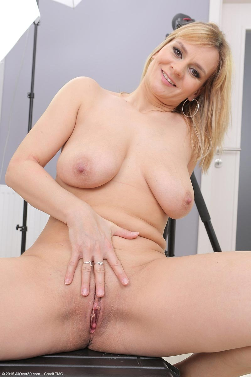 Paris Rose Milf