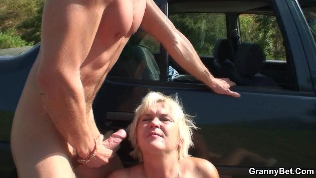 anal blonde mom