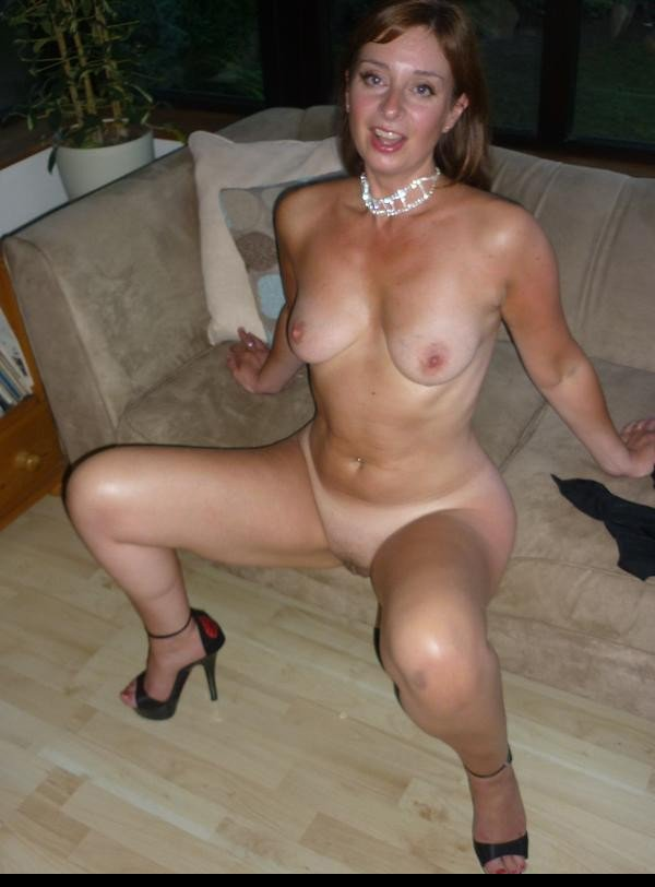 mature mom nude videos there