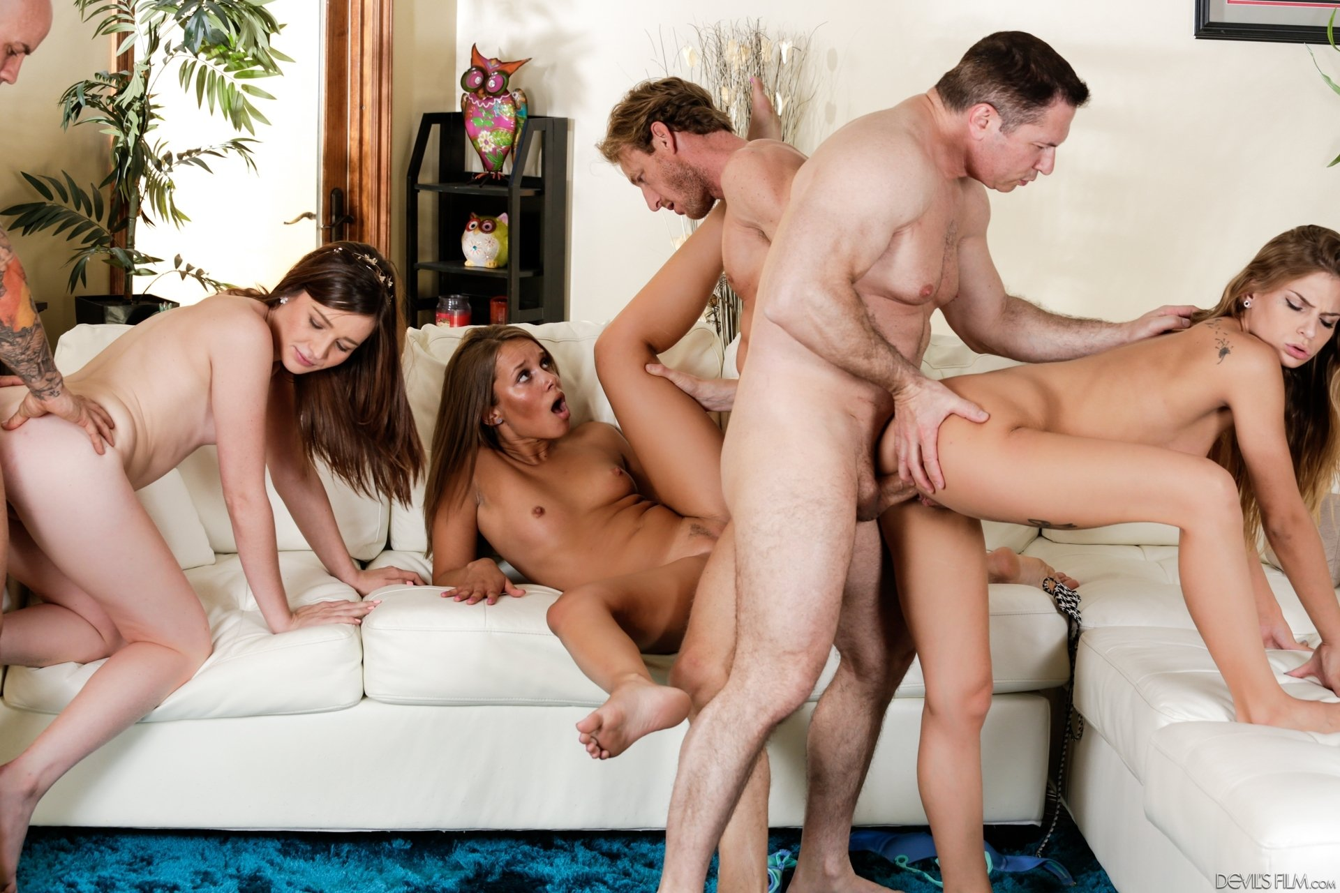 sex group in party