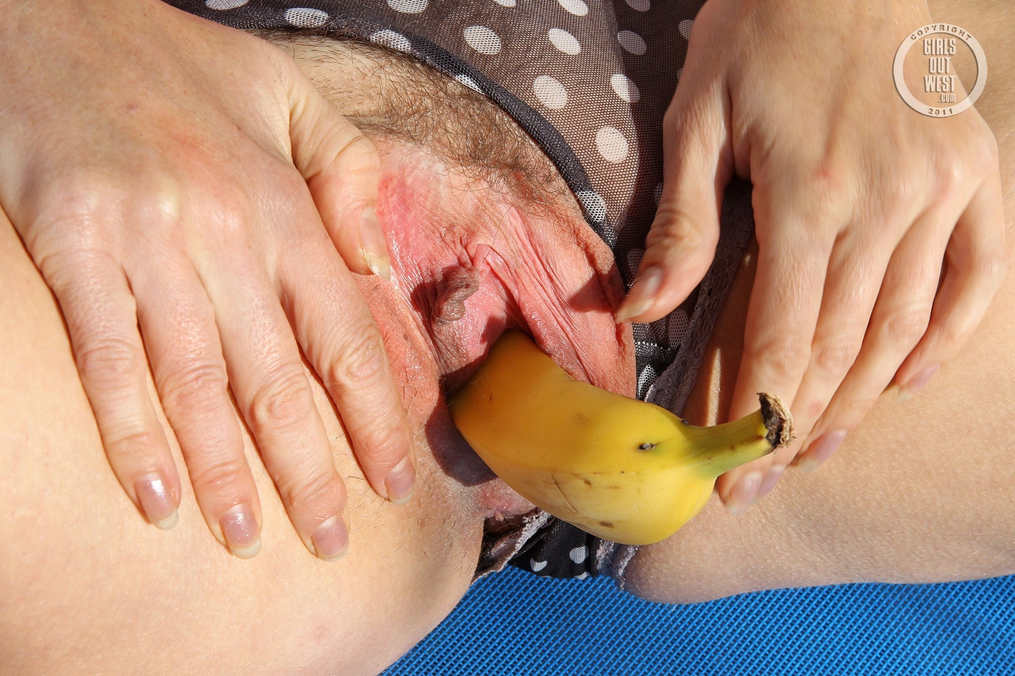 corn-fed-pussy-japanese-girl-gets-filled-with-cum
