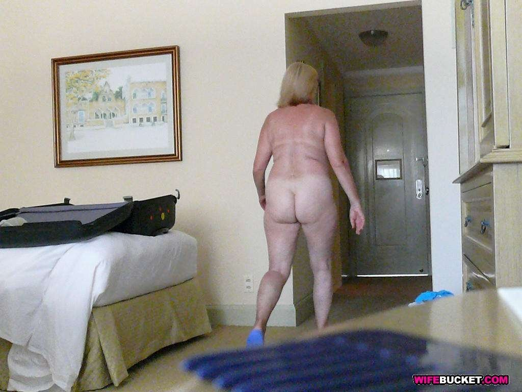 Naked mom in son room