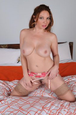 Dark red lipstick applied to the dick before a juicy HAPPY ENDING