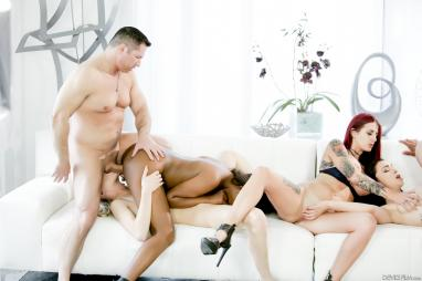 TheRealWorkout - Busty Babe Bounces On Cock During Workout