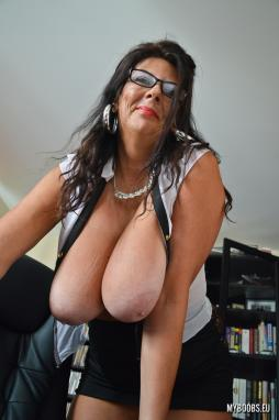 Big Monster Cock Stud Nail On Cam A Sexy Horny Mature Lady (leigh darby) vid-18