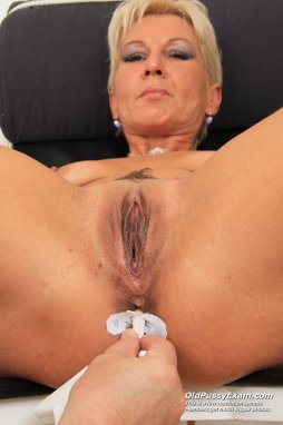Agree, Mature blonde short hair nude good