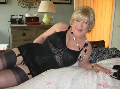 All crossdressers in pantyhose galleries