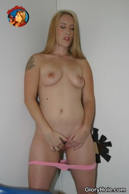 what a gorgeous milf what a body she really turns me on I would like to fuck her really I would